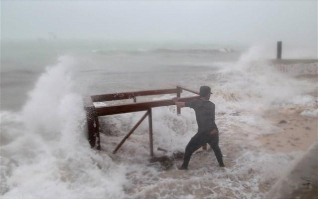 Δομινίκα: 15 νεκροί, 20 αγνοούμενοι από το πέρασμα του τυφώνα «Μαρία»   naftemporiki.gr